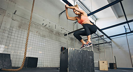 jump on box cardio hiit