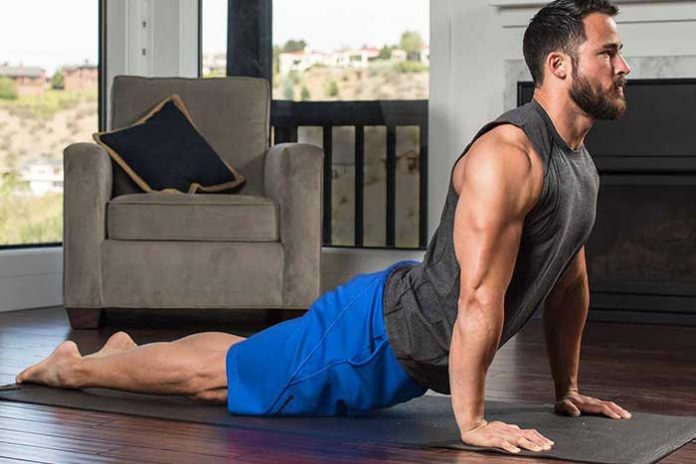 homme yoga musculation